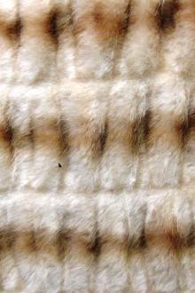Puckered Luxury Faux Fur0
