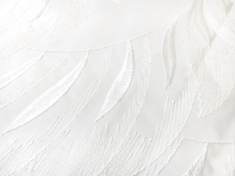 Bridal Polyester Taffeta with Embroidered Feathers Degradé2